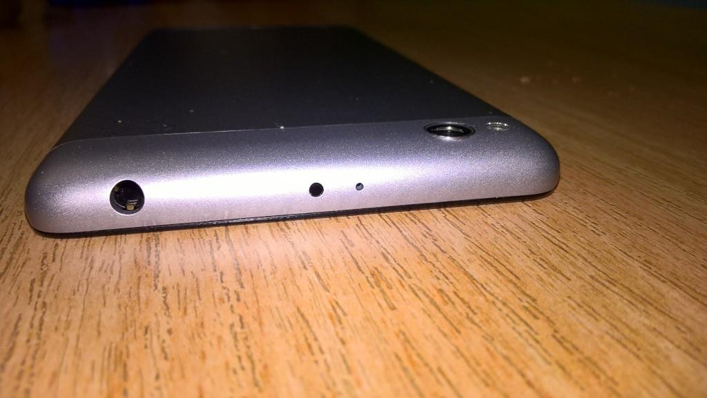 Horní strana Xiaomi Redmi 3