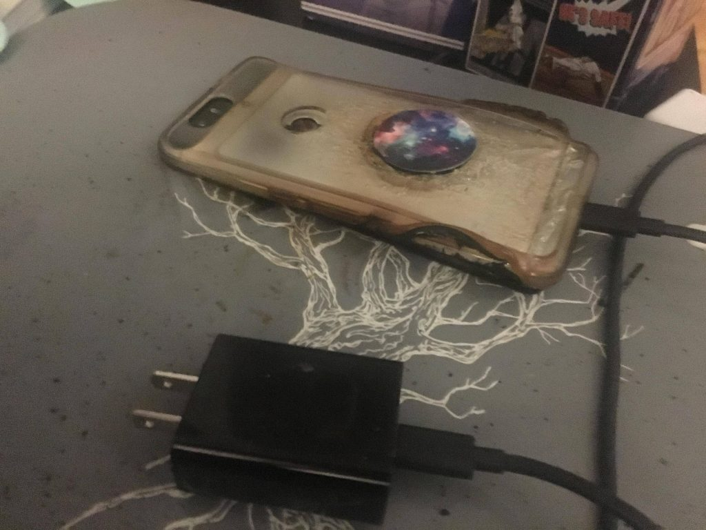 Nexus 6P explodoval na bezdrátové podložce