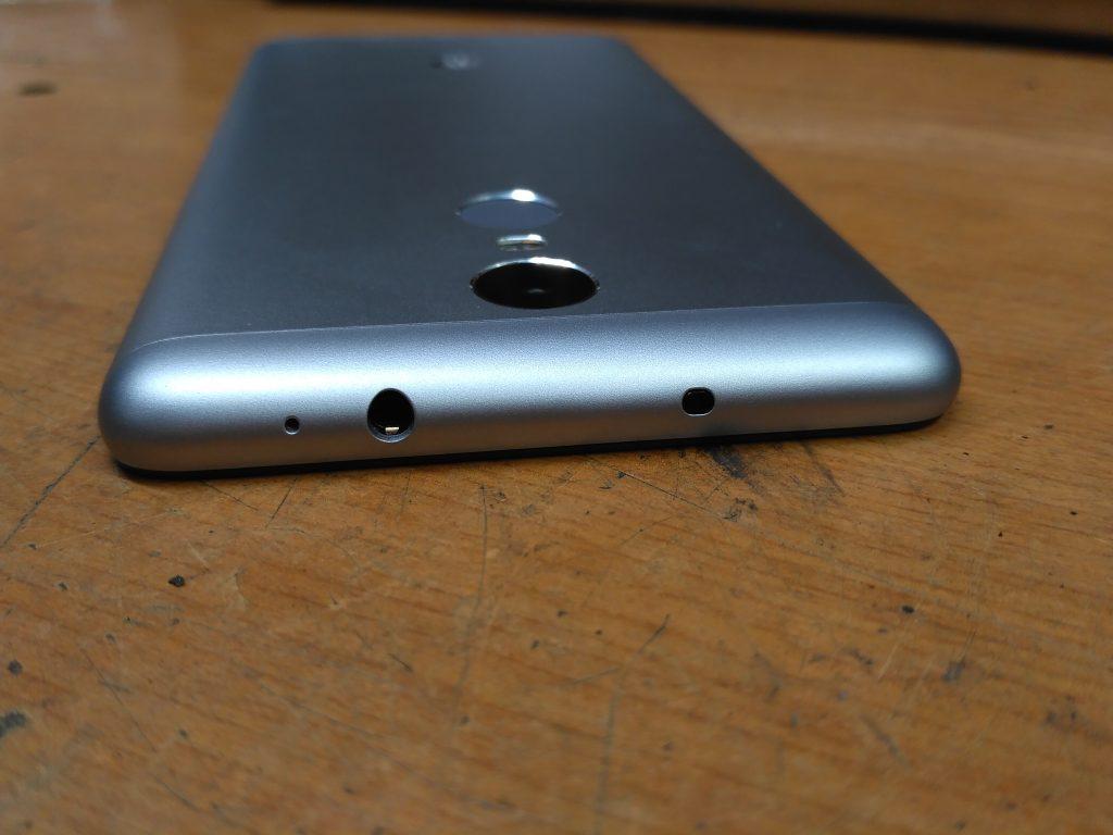 Xiaomi Redmi Note 3 Pro - Horní strana s 3,5 mm jackem, infraportem a mikrofonem