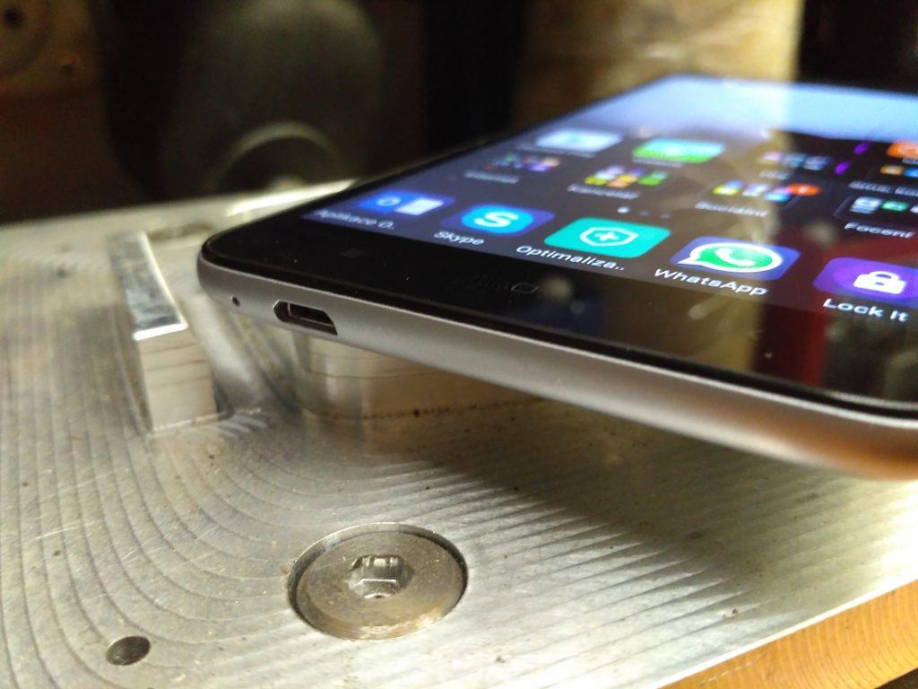 Dolní strana - Xiaomi Redmi Note 3 Pro