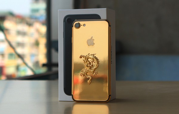 Pozlacený iPhone 7