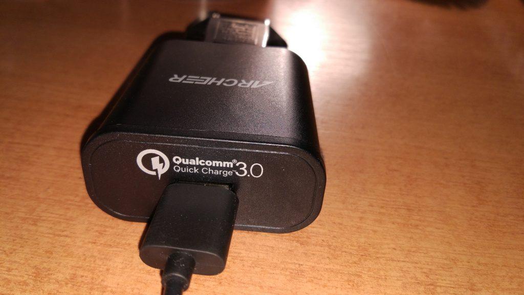 Archer adaptér podporující Quick Charge 3.0
