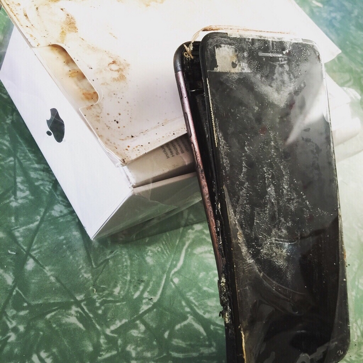 iPhone 7 explodoval